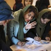 Elettrice alle elezioni in Iran