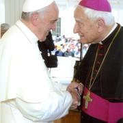 mons. Luigi Bettazzi e papa Francesco (foto parrocchia San Lazzaro)