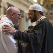 Musulmani alla messa cattolica i 31 luglio