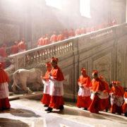 cardinali in processione