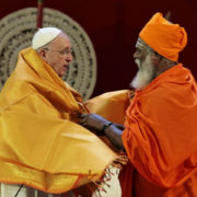 Papa e prete Hindu