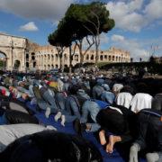 preghiera islamica al Colosseo
