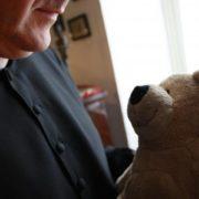 abuso sessuale esercitato da un prete