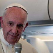 Conferenza stampa di papa Francesco sull'aereo di ritorno da Fatima