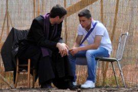 prete che ascolta