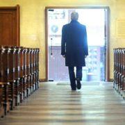 migliaia di persone lasciano la Chiesa cattolica in Germania