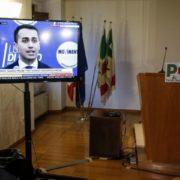 Luigi Di Maio in televisione all' interno della sede del PD, in attesa della conferenza stampa del leader del PD Matteo Renzi, Roma, 05 marzo 2018 (ANSA / Fabio Frustaci)