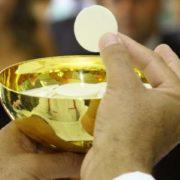 ammettere all'eucaristia il coniuge non cattolico