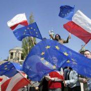 far uscire la Polonia dall'Unione