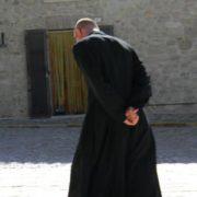 Fare il prete in una società secolarizzata