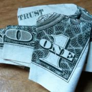 non fidarti di nessuno