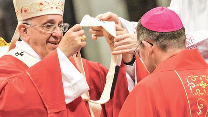 Consegna Pallio a metropolita