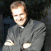 vescovo dimissioni